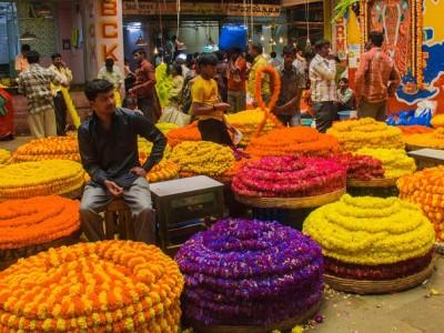 Flea Market Tour of Mumbai