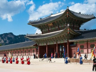 Full Day Small-Group Royal Palace and Seoul Tour
