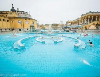 Budapest Szechenyi Spa Entrance with VIP Massage