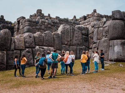 2-Day Tour: Sacred Valley and Machu Picchu by Train
